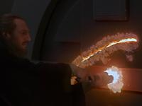 Le sabre laser peut percer une porte blindée © Lucasfilm